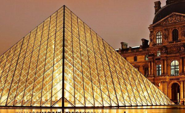 Louvreday
